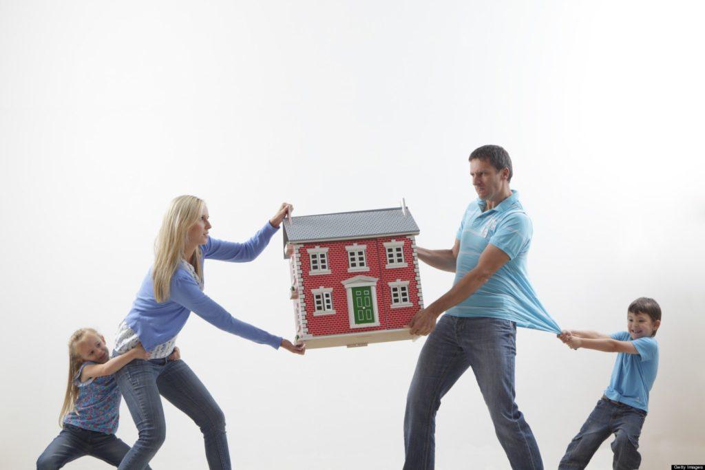 Раздел имущества при разводе с несовершеннолетними детьми